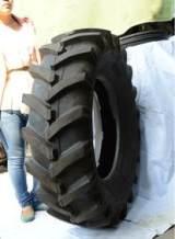 现货供应 厂家直销 农用拖拉机轮胎11.2-16,人字花纹农用车轮胎;