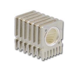 电流大于100A的小型印刷电路板连接器;