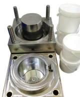 厂家常年定做优质涂料桶模具制造 各种日用品模具开发设计;