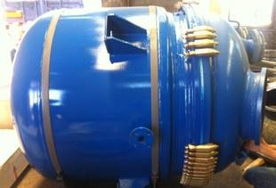 供应优质搪玻璃设备-K300L搪玻璃反应罐;
