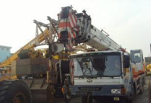 黑龙江二手汽车吊徐工5节臂25吨汽车吊2010年车原厂油漆车转让;