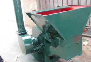 الموفرة للطاقة طاحونة كبيرة من القش، القش تغذية التلقائي الطاحن أربع عجلات جرار