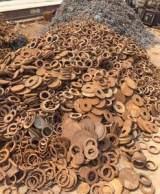 山东聊城大量出售优质炉料 铸造炉料 冲压件边角料 花料等等;
