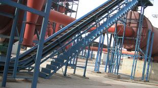 生产厂家直销皮带机设备大倾角带式输送机 供应煤矿用皮带输送机;
