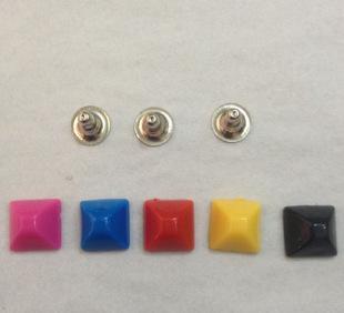 10mm平顶方珠撞钉蒙古包彩色塑料胶柳钉 服饰皮具箱包鞋材小五金;