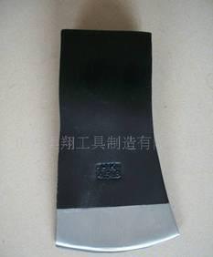 各种型号,常规起钉器,斧子,凿子,撬棍;