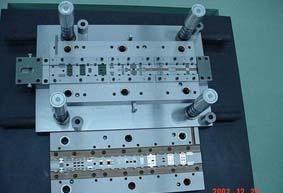 开精密连续模 苏州模具设计 专业模具设计;