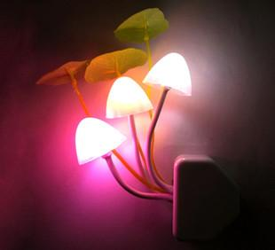 F601創意新奇特キノコ光控小夜ライトヒットメーカー直販夜市露店の商品の供給源