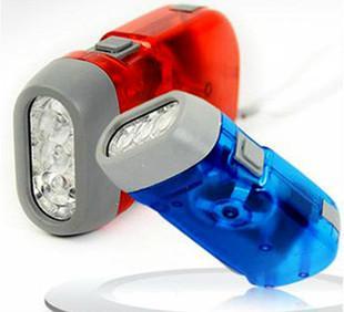 环保透明三灯手捏电筒手握磨擦起电无需电源手电家居用品70g Q19;