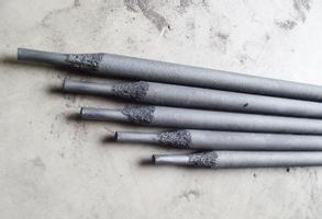 ND906橡胶和塑料挤压螺杆/剪切刀片/热冲头专用高合金耐磨焊条;