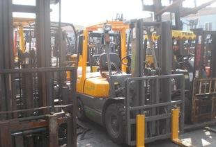 热卖二手叉车、1吨2吨3吨叉车、二手合力叉车,物流设备;