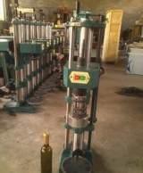 飲料封口設備 礦泉水壓蓋設備 果汁封口設備 封口機械;