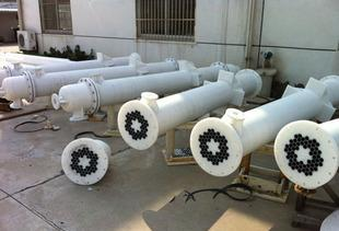 石墨改性聚丙烯列管式浆膜吸收器;