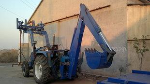 拖拉机两头忙,前装后挖,拖拉机改装;