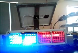 厂家直销太阳能警示灯四爆闪灯工程灯交通安全灯红蓝闪灯四川广西;