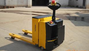 供应电瓶牵引搬运车/经济实用型半电动搬运车/电动液压托盘叉车;