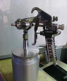 台湾索芙特W71下壶喷漆枪高档手动喷枪气动工具
